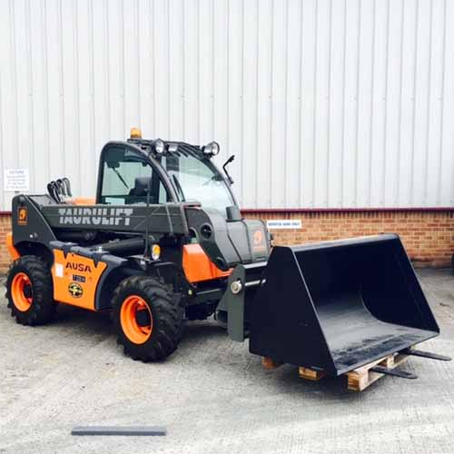 AUSA Taurulift T235H forklift with bucket attachment